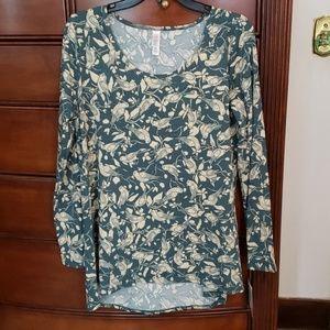 LuLaRoe long sleeve shirt. Never worn, tags still